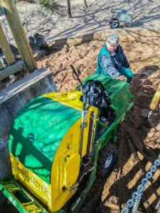 Sandmaster reinigt Spielplatz in Nürnberg