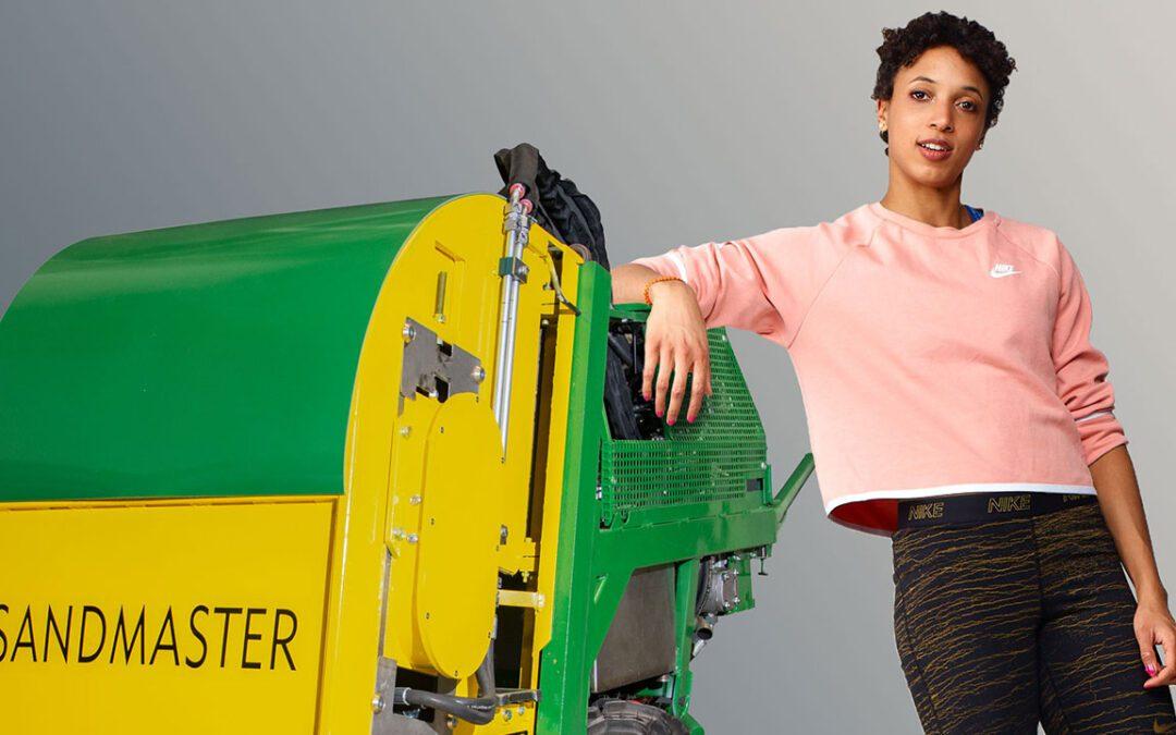 Sandmaster Markenbotschafterin Malaika Mihambo trainiert mit Carl Lewis