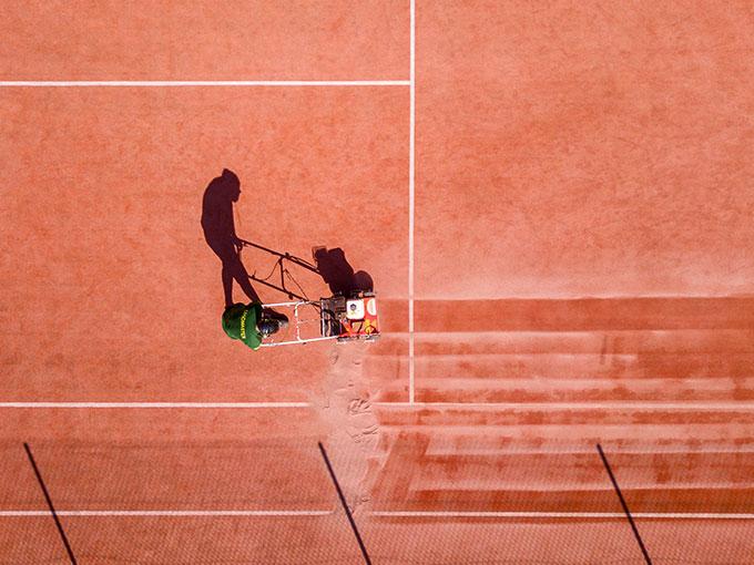 Tennis Nettoyage de gazon synthétique par procédé à sec