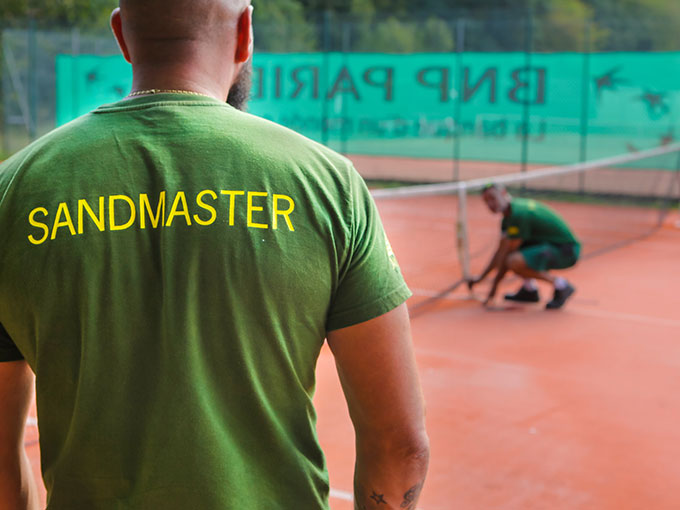Tennis Complémentaires et réparation du gazon synthétique