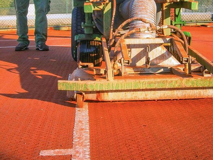 Tennis Nettoyage de gazon synthétique par voie humide