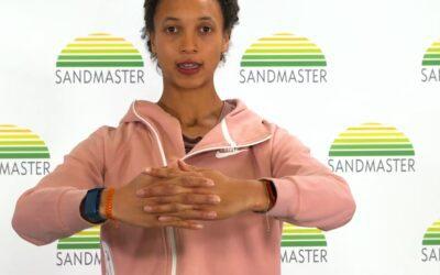 Bewegungsprogramm mit Malaika Mihambo und Sandmaster