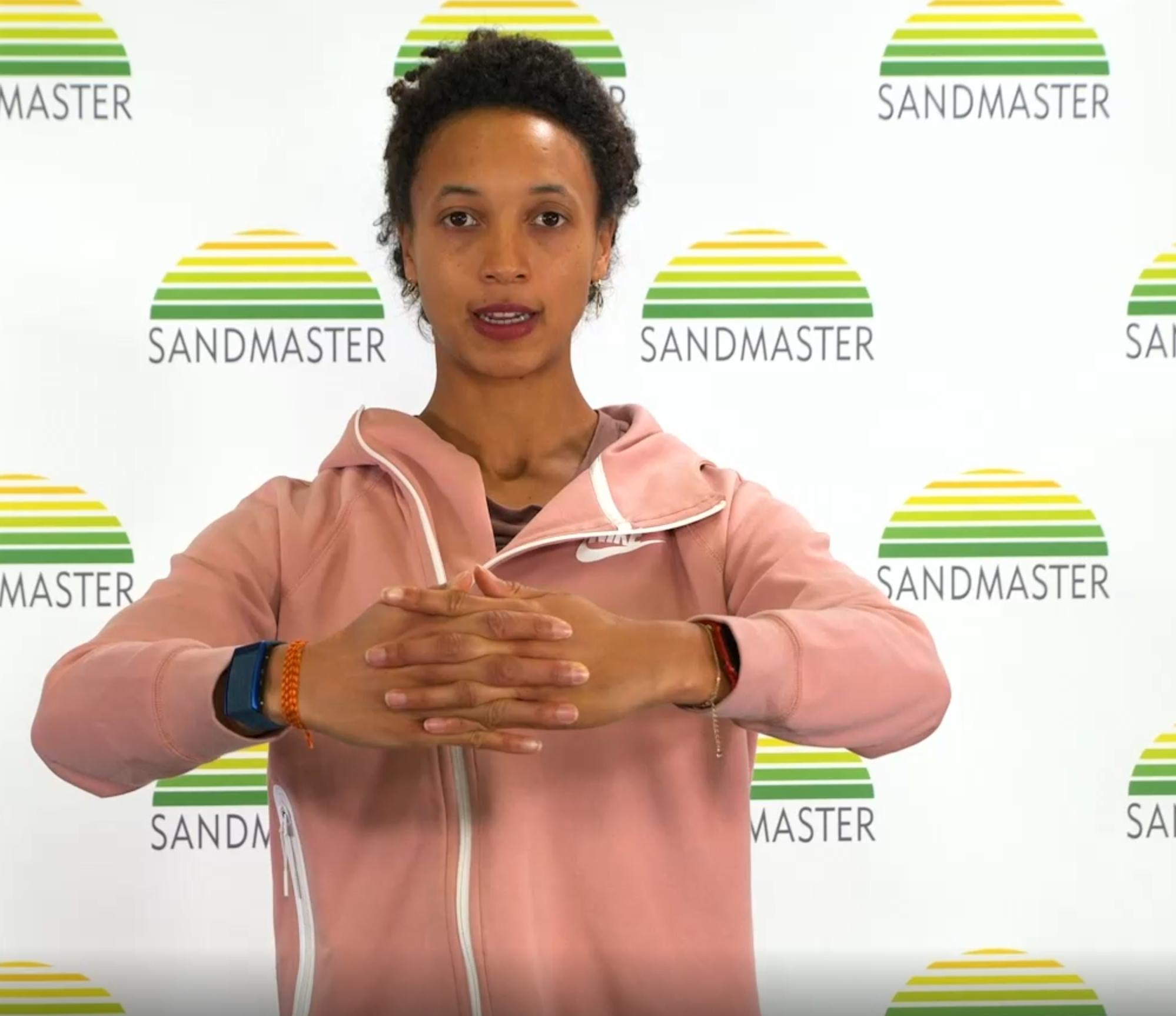 bewegungsprogramm: Dehnung und Beweglichkeit mit Malaika Mihambo und Sandmaster